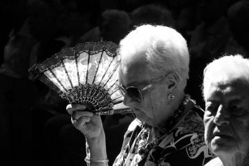 018-katia-bonaventura-photojournalism-chiesa-anziani