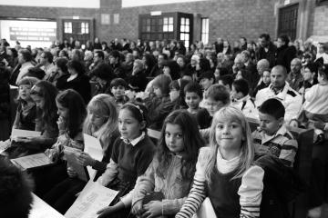 037-katia-bonaventura-photojournalism-bambini-chiesa