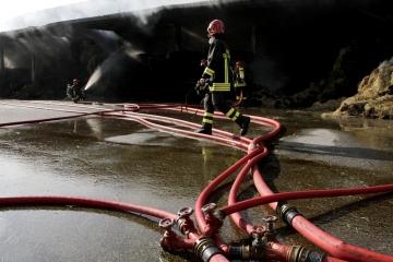 002-katia-bonaventura-photojournalism-incendio-vigili-fuoco-turriaco