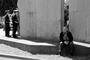 003-katia-bonaventura-photojournalism-manifestazione-25-aprile-monumento-fincantieri-monfalcone