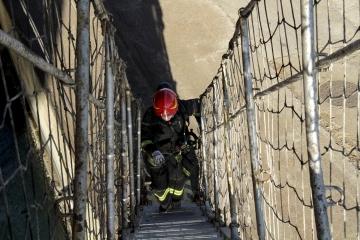 008-katia-bonaventura-photojournalism-vigili-fuoco-antincendio-porto-monfalcone