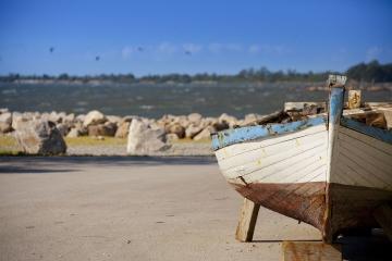 014-katia-bonaventura-photojournalism-paesaggio-barca-marina-nova