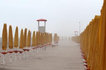028-katia-bonaventura-photojournalism-spiaggia-sabbia