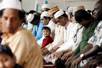 004-katia-bonaventura-photojournalism-comunita-bengalese-fincantieri-monfalcone